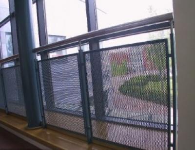 冲孔网围栏